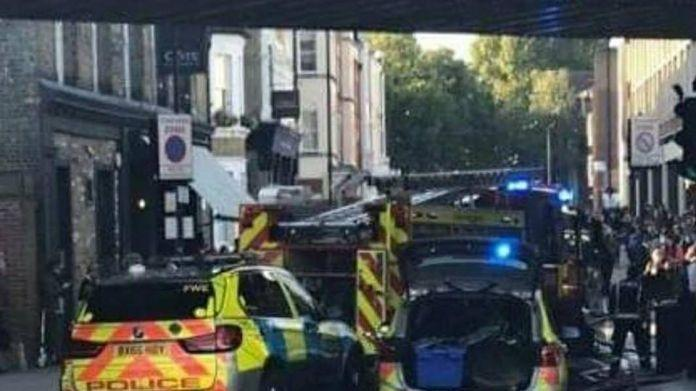 Londra, arrestato un 18enne per l'attentato in metro
