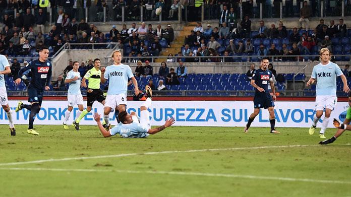 Immobile stende il Napoli, la Lazio vola. Inzaghi: