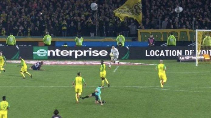 Nantes Psg, arbitro cerca di far cadere Diego Carlos