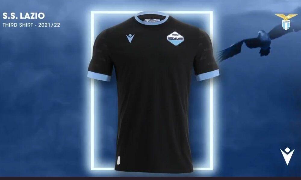 Terza maglia Lazio, sarà nera con inserti celesti - VIDEO